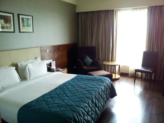 The Golden Palms Hotel & Spa: Bed room