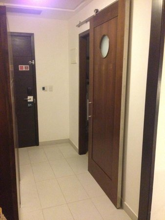 Four Points by Sheraton Puntacana Village : Sliding bathroom door