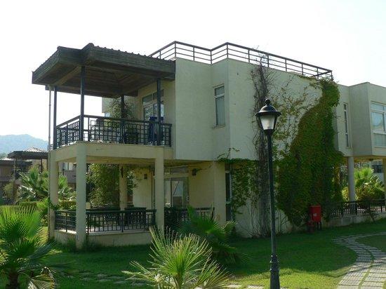 Simena Hotel : Village