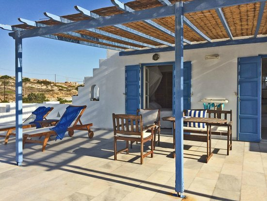 Villa Marandi Luxury Suites: Honeymoon Suite terrace