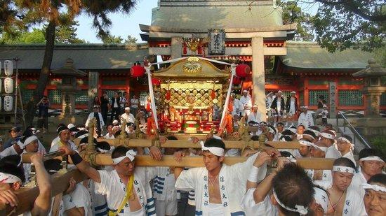 Sumiyoshi Taisha Shrine: 平成26年神輿洗神事