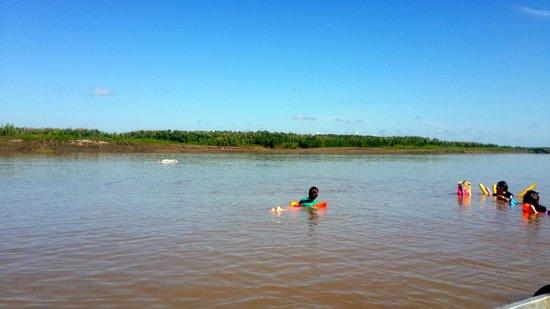 Muyuna Amazon Lodge : nadando con delfines rosados