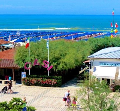 At the oasi location location location picture of - Bagno maestrale lido di camaiore ...