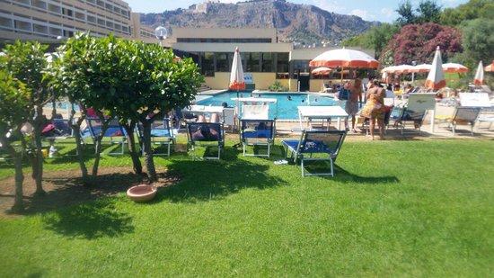 Club Lipari Hotel : Piscine du club