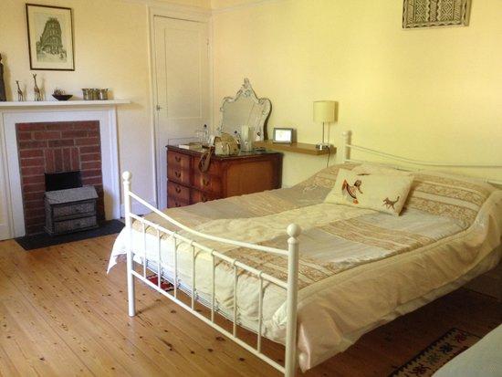 Farthingloe Farm B & B: Our room.