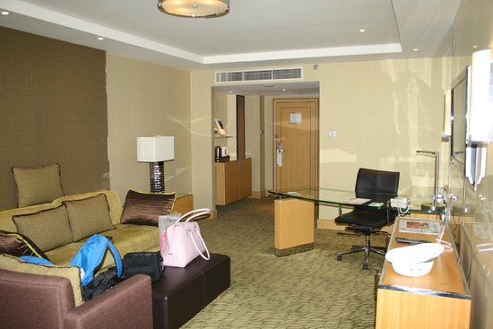 Holiday Inn Bangkok Silom: Living room!