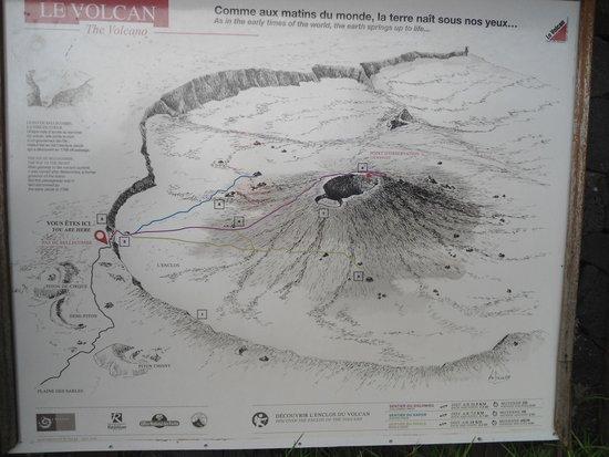 Piton de Fournaise: Карта маршрутов к вулкану и различным образованиям в долине вулкана