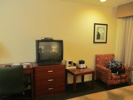 Buena Vista Motor Inn: Mobiliario antiguo pero en condiciones y limpio