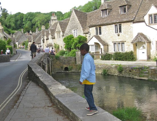 Mad Max Tours : Castle Combe, UK