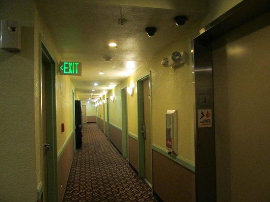 Buena Vista Motor Inn: pasillos