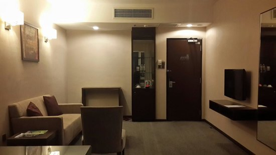 Furama Bukit Bintang: Deluxe room - entry door on the right