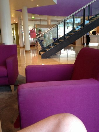 Clarion Hotel Liffey Valley: Lobby - featuring my knee