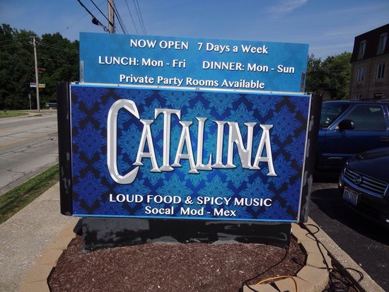 Catalina: Front sign