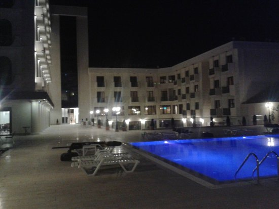 Bayramoglu Resort Hotel: View from the pool side