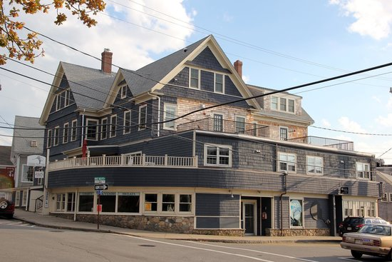 Woods Hole Inn: The Inn