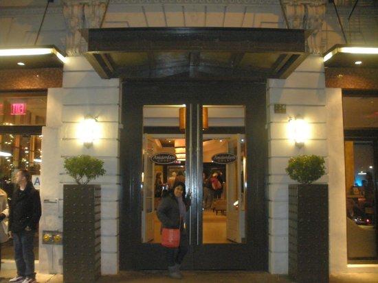 Amsterdam Court Hotel: Hotel entrada