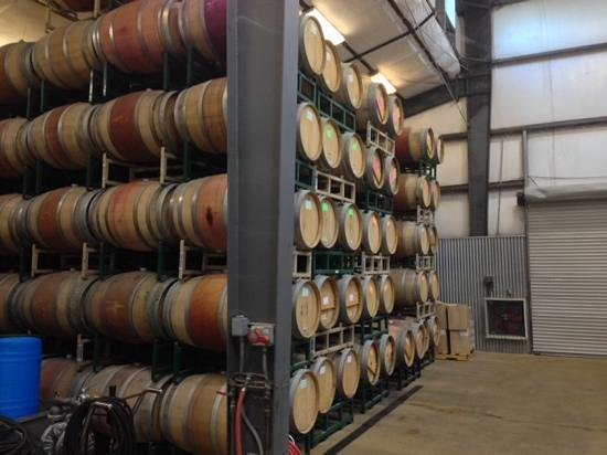 Hagafen Cellars : Oak barrell fermenting