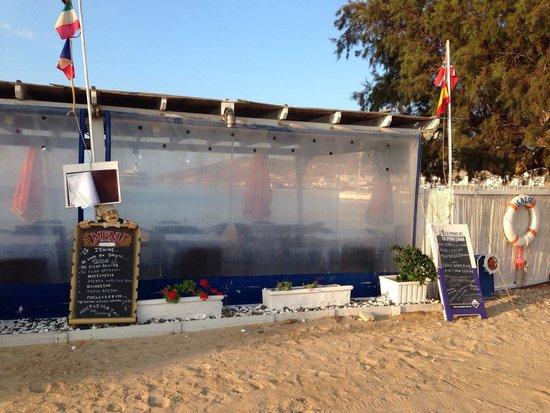 The Isalos fish restaurant right on the beach.