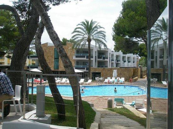 Iberostar Playa de Muro Village : Вид на отель со стороны моря