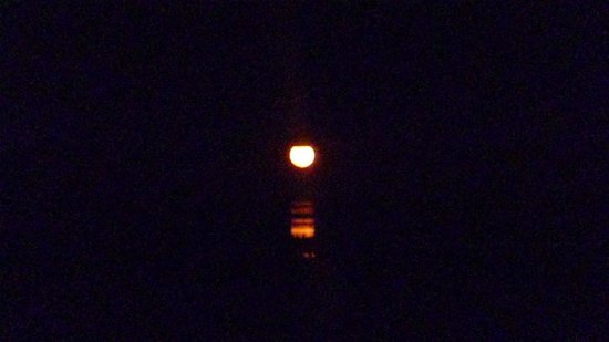 Moonlight Bay Suites: Staircase to the Moon, view from our 2nd floor balcony