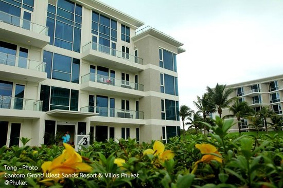 Grand West Sands Resort & Villas Phuket: Building 3