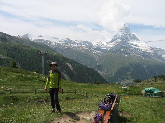 The Matterhorn: マッターホルンを背にして
