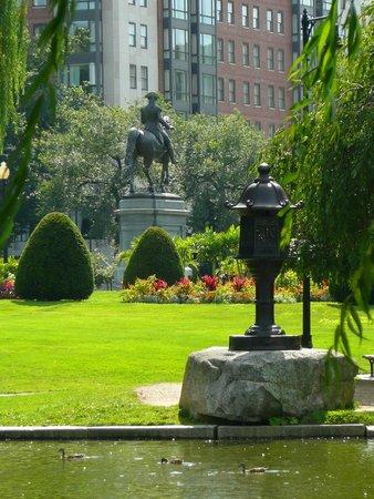 Boston Public Garden: GRAN VISTA