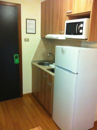 Residence Desenzano: Kitchen corner