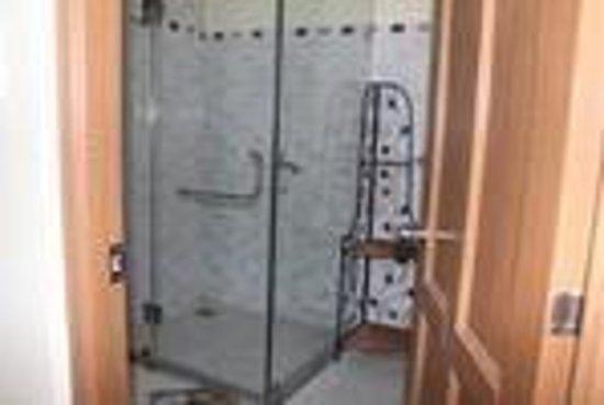 Dalat Central Hostel : Dorm-bathroom 3