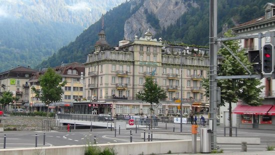 Hotel Central Continental: Hotel view from Interlaken west