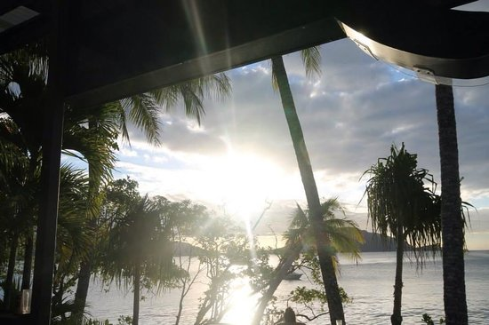 Fitzroy Island Resort: Sunset at Roxys