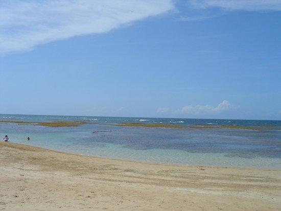 Grand Bahia Principe El Portillo: La plage de l'hôtel