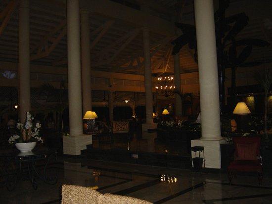 Grand Bahia Principe El Portillo: Le hall