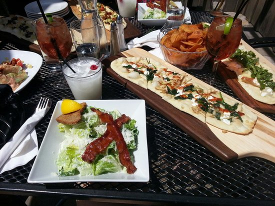 The Ivy Restaurant: F latbreads, salads and cocktails on the patio [summer 2014]