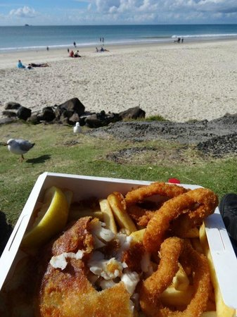 Fishheads: Fish and chips with a sea view