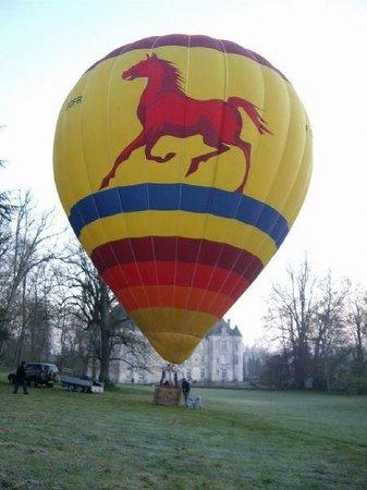 Domaine de Villeray : Hot balloon and Castl