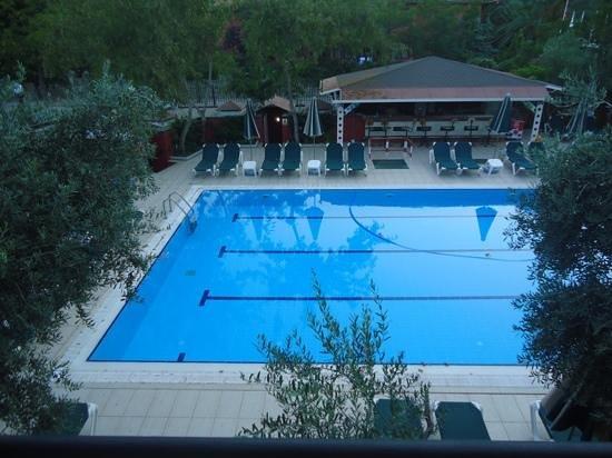 Club Belcekiz Beach Hotel: Adult pool