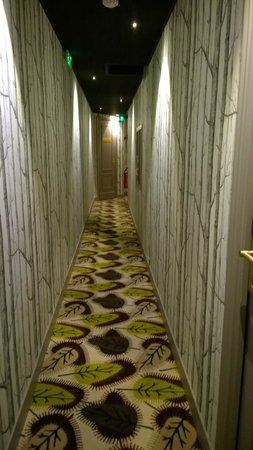 Brittany Hotel: Hallway
