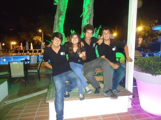 Club Belcekiz Beach Hotel: Brilliant staff at poolside bar.