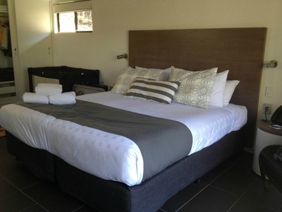 Palm Bungalows: King Size Bed, soft & comfortable
