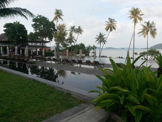 The Vijitt Resort Phuket: Swimming Pool