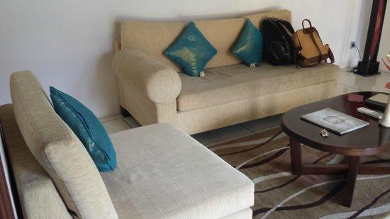 The Kuta Playa Hotel and Villas: living room