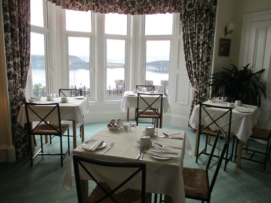 Dunheanish Guest House : Lovely breakfast room - with view