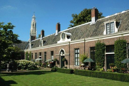 Bed & Breakfast Noordzee: Hofje (almhous) in Haarlem