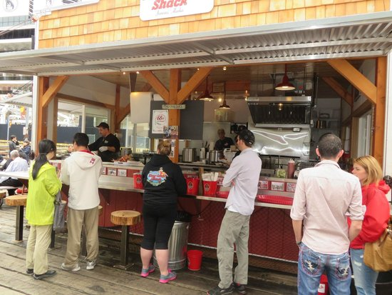 Tracy's King Crab Shack: food collecting shack