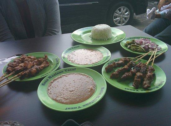 Sate Maulana Yusuf: chicken satay and beef satay