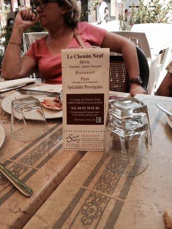 Hotel Restaurant du Chemin Neuf : Simple et bon, et une carte des glaces a couper le souffle!! Un patron sympa tous les bons ingré