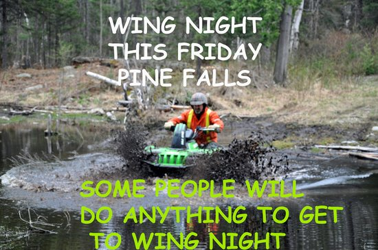 Markstay, Canada: Friday is Wing Night