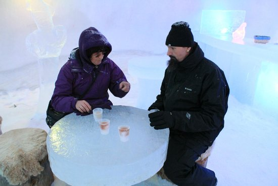 Santa Claus Village: Drinking ridiculously expensive juice in ice bar