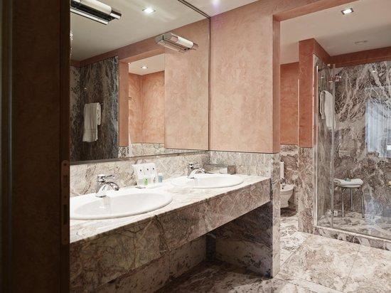 Grand Hotel de la Ville: BAGNO SUITE KING